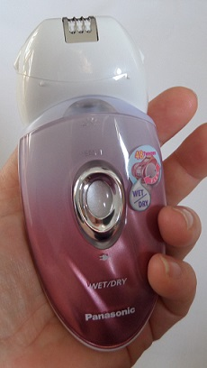 Panasonic ES-ED90-p Epilator in Hand